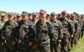 Материальная помощь военнослужащим по контракту: виды, размер и правила оформления