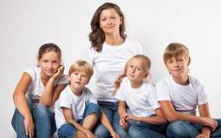Пенсия многодетной матери 3 и более детей: условия выхода и правила расчета